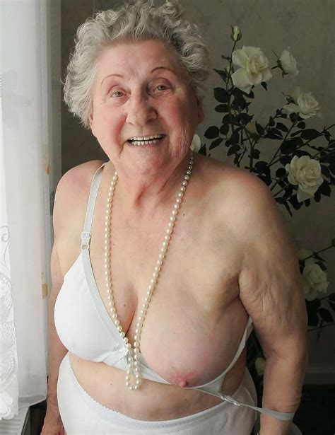 grannies showing pussy jpg 788x1024