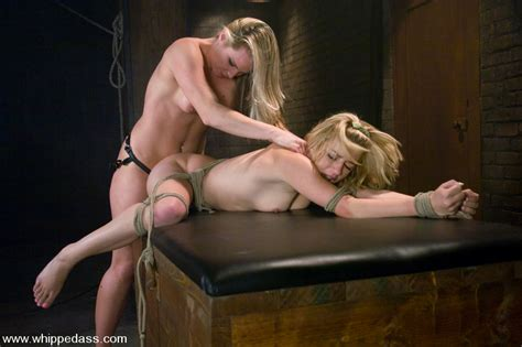 lexi belle at sex and submission jpg 830x553