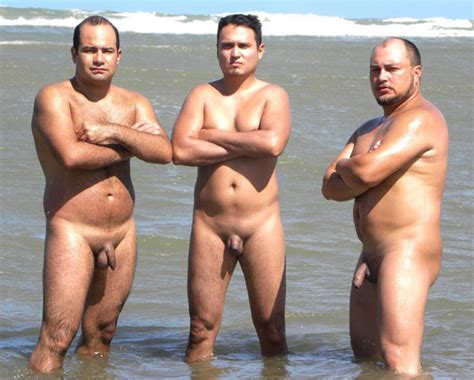 naked naturists young jpg 560x449